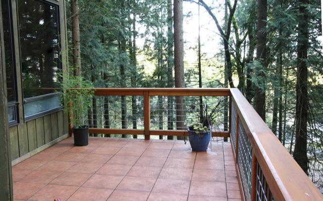 Hawk Meadow Homecraft Portfolio Ceramic Tile And Cedar Deck