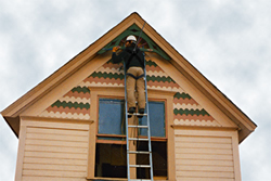 Removing Victorian trim on an early RE Store salvage job - Click for a larger image